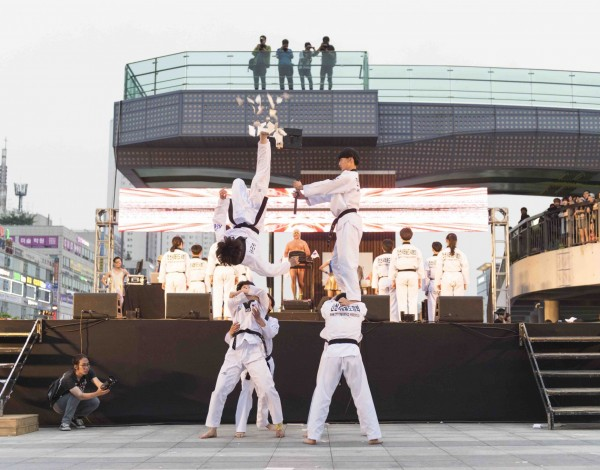 Fun Run – Ansan Street Arts Festival 2015 © Image by Studio Pal